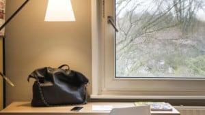 TILBURG.COM: Thuiswerken buiten de deur: Tilburgs hotel verhuurt kamers als kantoor